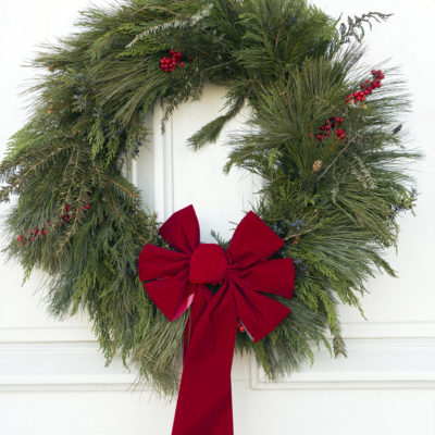 17 Beautiful Wreaths for Your Modern Farmhouse Front Door