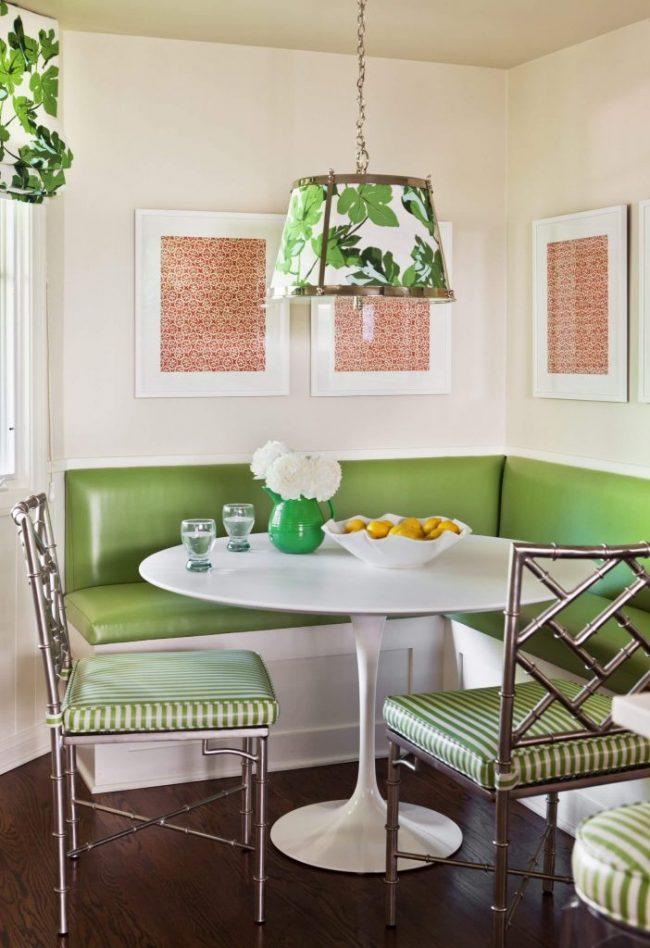 Green Built-In Kitchen Bench
